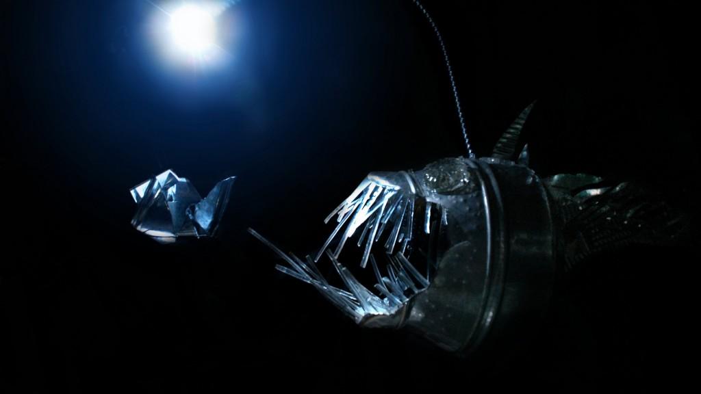 ANGLERFISH_fish_ocean_sea_underwater_dark_creepy_monster_fangs_2560x1440