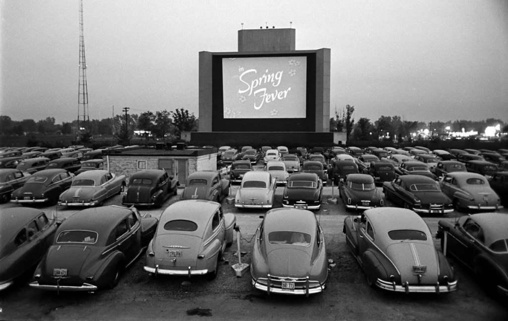 drive-in-theater-inkbluesky-2022370165png